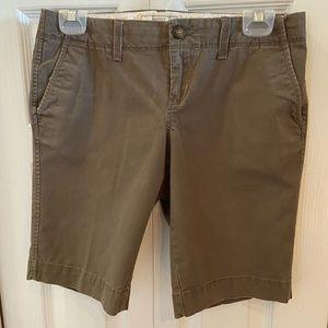Perfect cotton stretch Bermuda's in mocha brown